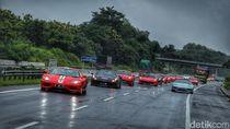 COVID-19 Masih Ganas, Komunitas Ferrari Puasa Geber Mobil