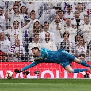 Courtois  Madrid Cuma Kurang Gol 53c1424444