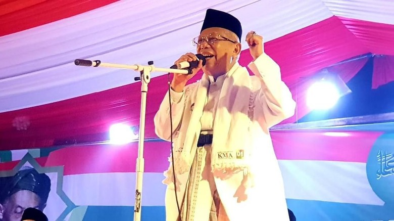 Maruf Amin Diminta Lepas Jaket Ulama Saat Debat Ketiga