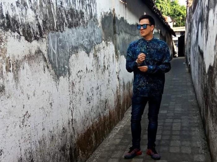 Aktor Bertrand Antolin menunjukkan komitmennya untuk memajukan UMKM di Indonesia. Model dan presenter TV ini pun akhirnya mempromosikan produk-produk UMKM di akun sosial medianya, secara gratis.