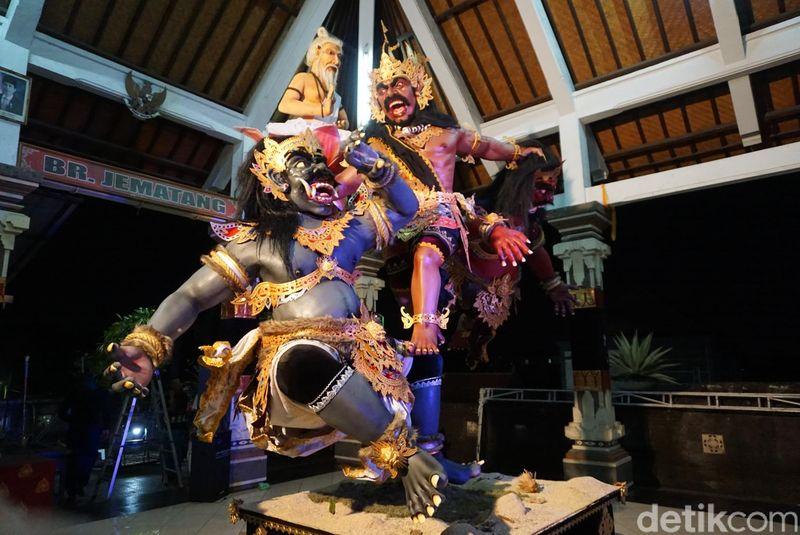 Ogoh-ogoh yang memanfaatkan teknologi terkini ini dibuat oleh Sekaa Teruna Satwika, Banjar Jematang, Dauh Puri Kauh, Denpasar Barat (Aditya Mardiastuti/detikTravel)