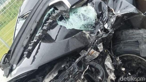 Begini Kondisi Mobil Bupati Demak yang Kecelakaan di Tol
