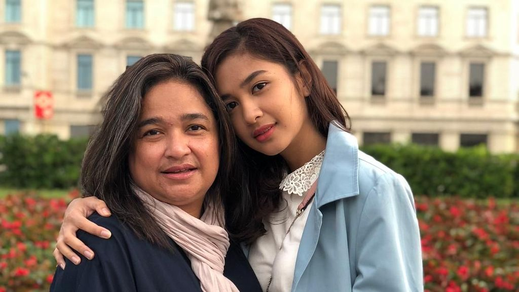 Kenali Gejala Sjogren Syndrome yang Dialami Ibunda Mikha Tambayong