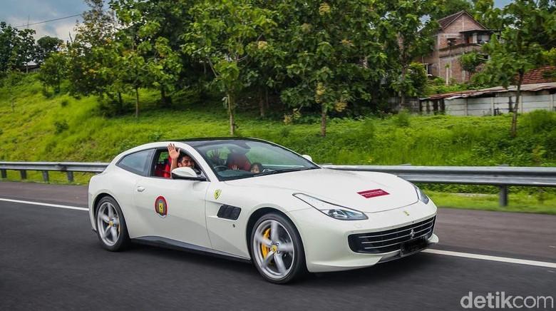 Indraguna Sutowo di Ferrari Foto: Ferrari Jakarta