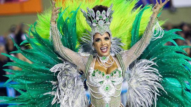 Tari samba melekat erat dengan kebudayaan rakyat Brasil. Tari itu bahkan punya karnaval sendiri yang rutin diadakan tiap tahun di Rio de Janeiro. Penasaran?