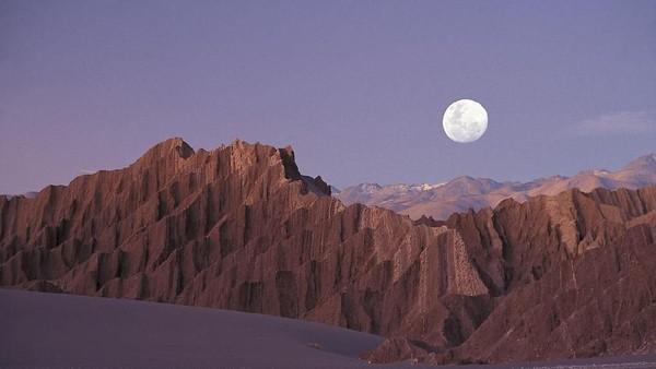 Sejumlah destinasi di Bumi memiliki kemiripan dengan di luar angkasa. Gurun Atacama di Chile adalah salah satunya (Alto Atacama Desert Lodge & Spa)