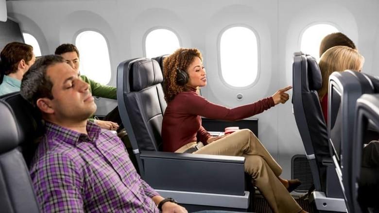 Kamera Pengawas di Kursi Pesawat