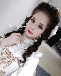 Seperti Datang dari Masa Lalu, Wanita Ini Tampil Pakai Baju Lolita Setiap Hari