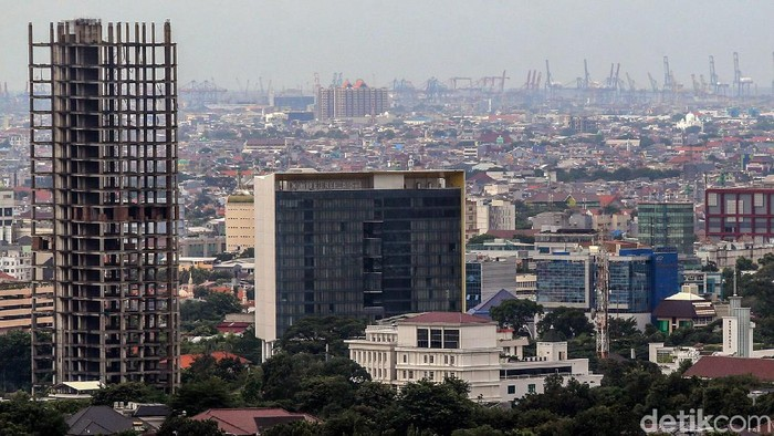 Economist Intelligence Unit (EIU) memprediksi perekonomian Indonesia tumbuh pesat tahun ini. Pertumbuhan itu disebut melampui negara tetangga Malaysia.