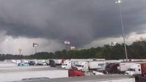 Rumah Berserakan, 23 Orang Tewas, Dampak Tornado di AS