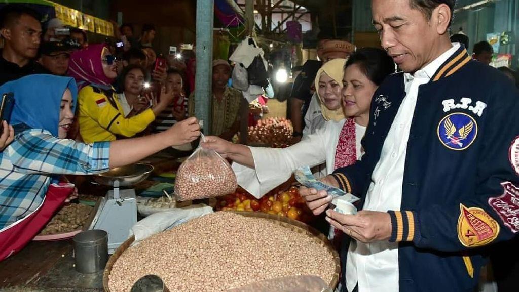 Pose Seksi DJ Verny Saat Kulineran hingga Keseruan Jokowi-Iriana Belanja di Pasar