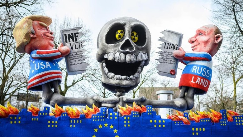 Sindiran Keras untuk Trump Hingga Putin di Karnaval Jerman