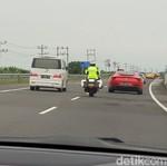 Ngegas Pakai Motor di Ruas Tol Trans Jawa, Gimana Rasanya?
