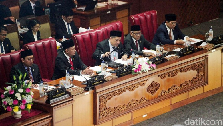 DPR Sahkan UU P3, UU Mangkrak Bisa Dilanjutkan Periode Mendatang