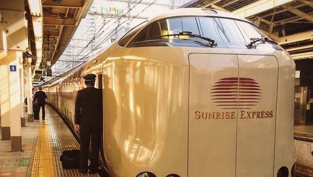 Potret Sleeper Train di Jepang Tahun 1960-an
