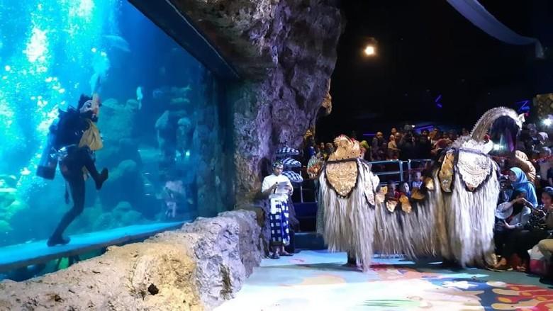 Pertunjukan barongan di sea world ancol (Shinta Angriyana/detikTravel)