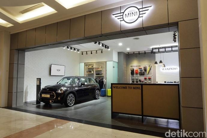 Ada 6 Unit, MINI 3-doors Black Edition Mejeng di Mall Bandung