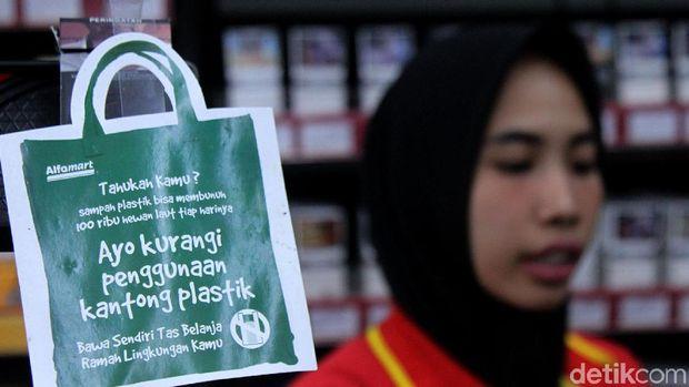 Ilustrasi diet sampah plastik