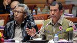 Ekspresi Kepala BNPB Doni Monardo Saat Rapat Bahas Anggaran