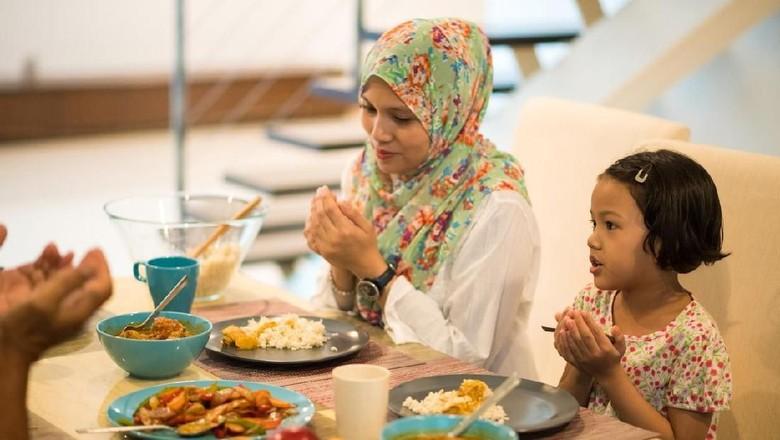 Manfaat mengajari anak bersyukur/ Foto: iStock