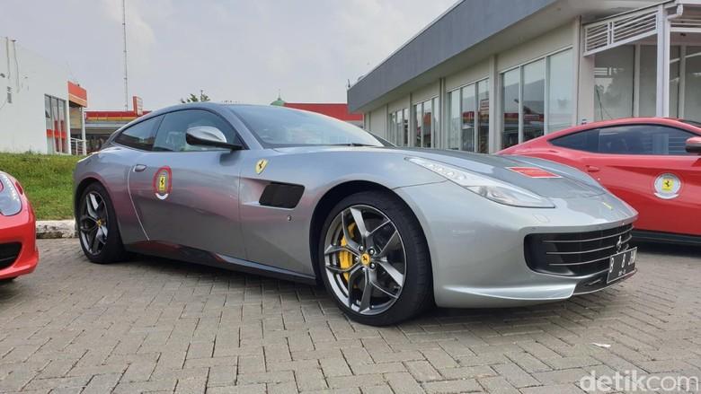 Ferrari GTC4Lusso T. Foto: Luthfi Anshori