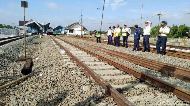 Jalur Ganda Stasiun Palur-Kedungbanteng Resmi Beroperasi
