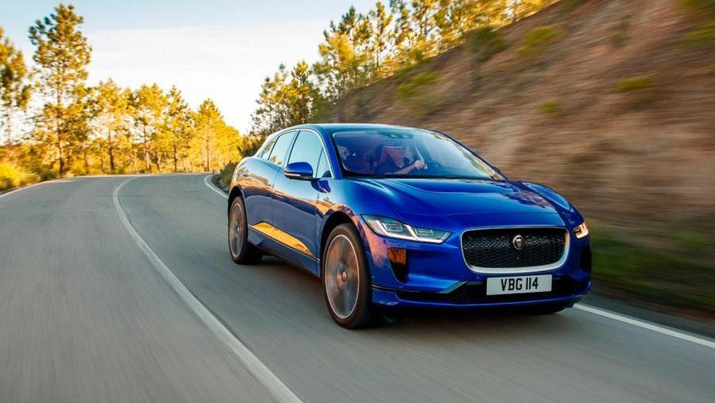Mobil Terbaik Dunia Tunggangan Pangeran Charles Mengaspal di RI