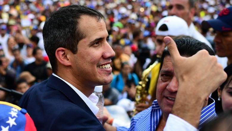 Juan Guaido Kembali ke Venezuela Meski Berisiko Ditangkap Pemerintah