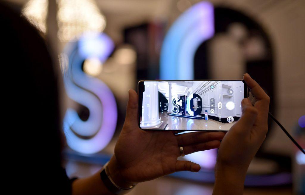 Varian yang tersedia di Indonesia terbilang cukup komplet, baik itu dari segi pilihan RAM/ROM maupun warna. Foto: dok. Samsung