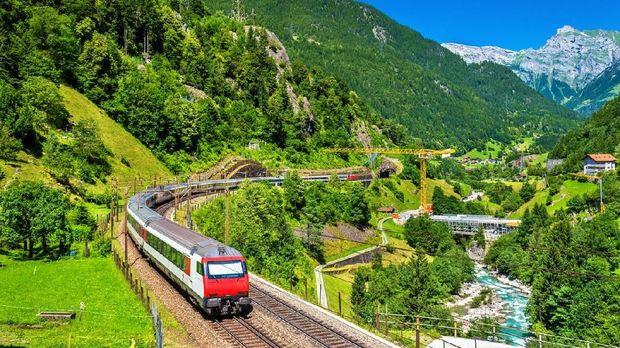 7 Perjalanan Kereta Terindah di Swiss