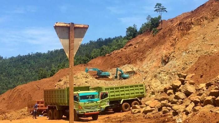 Kementerian ESDM memastikan izin usaha pertambangan (IUP) PT Babarina Putra Sulung (BPS) di Kabupaten Kolaka, Sulawesi Tenggara, sudah dicabut sementara.