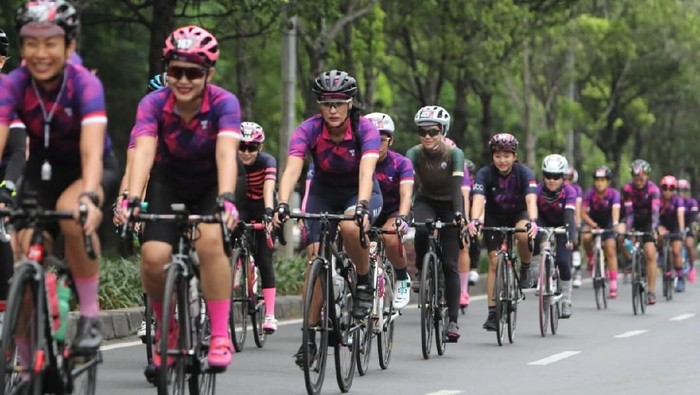 PR Womens Cycling Community