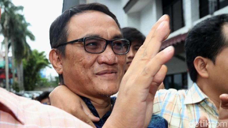 Andi Arief: For All Terutama Cebong, Saya Tak Tersangka Hanya Terperiksa