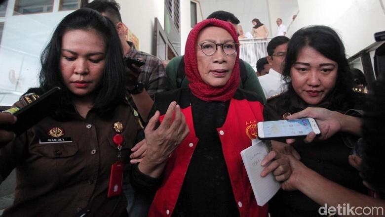 Alasan Lengkap Hakim Tolak Eksepsi Ratna Sarumpaet