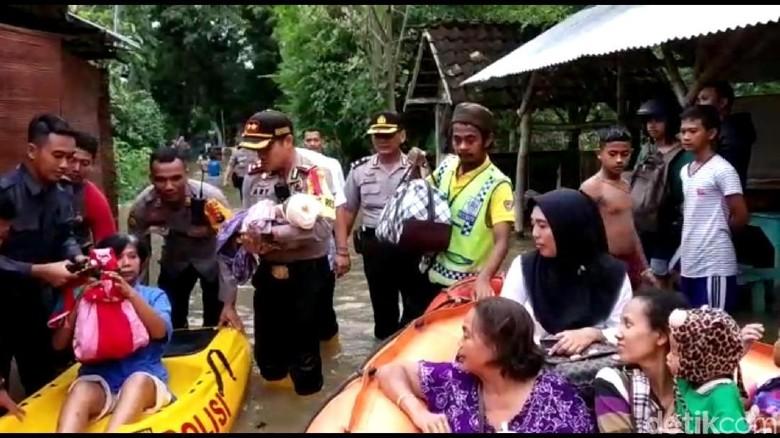 Sungai Pacal Meluap dan Bengawan Solo Siaga, Warga Bojonegoro Dievakuasi
