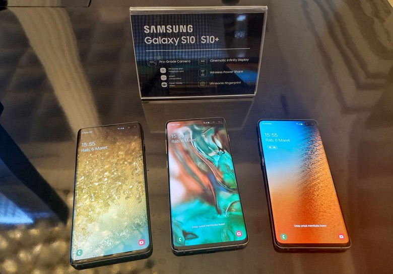 Tak tanggung-tanggung, tiga varian disajikan untuk penggemarnya yakni Galaxy S10, Galaxy S10+, dan Galaxy S10e, kompak dihadirkan perusahaan asal Korea Selatan itu ke Indonesia. Foto: dok. Samsung