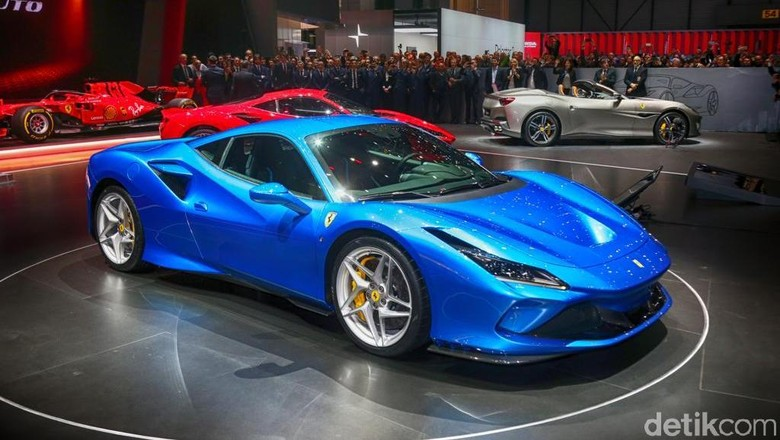Lebih Jelas Lihat Si Cantik Bertenaga Gahar Ferrari F8 Tributo