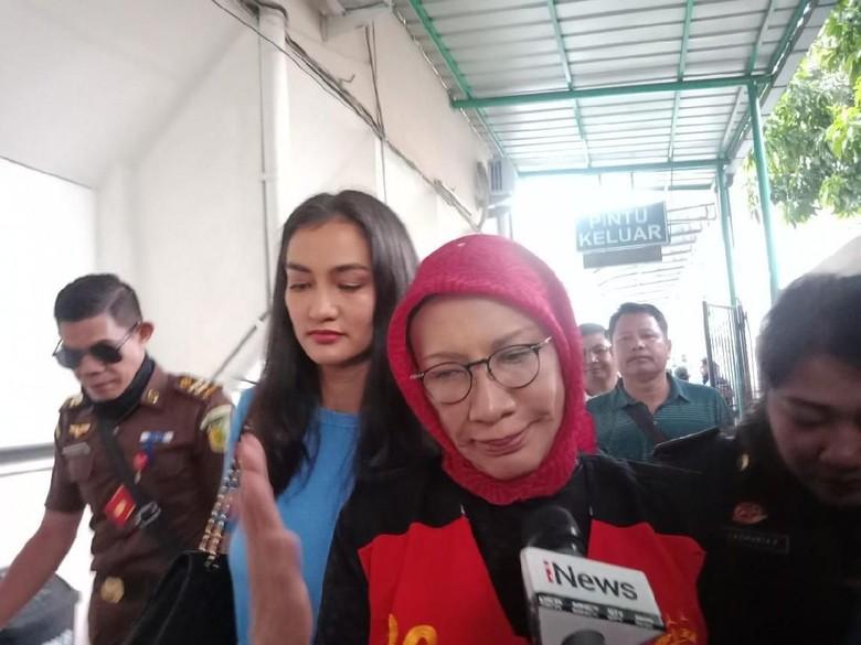Ratna Sarumpaet Pasrah Tahanan Kota Ditolak: Masa Saya Marah-marah
