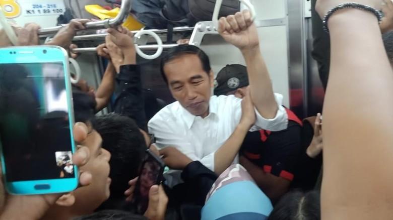 PT KCI: Perjalanan Jokowi Naik KRL Dadakan, Semua Berjalan Natural