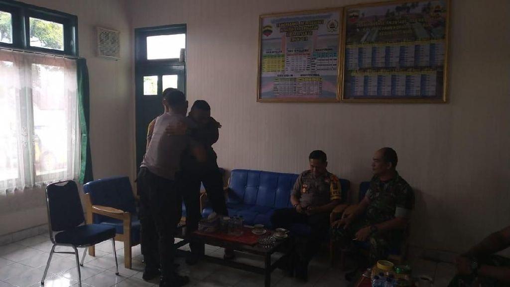 Viral Oknum TNI vs Polisi di Nias Gegara Nyalip Motor Berujung Damai