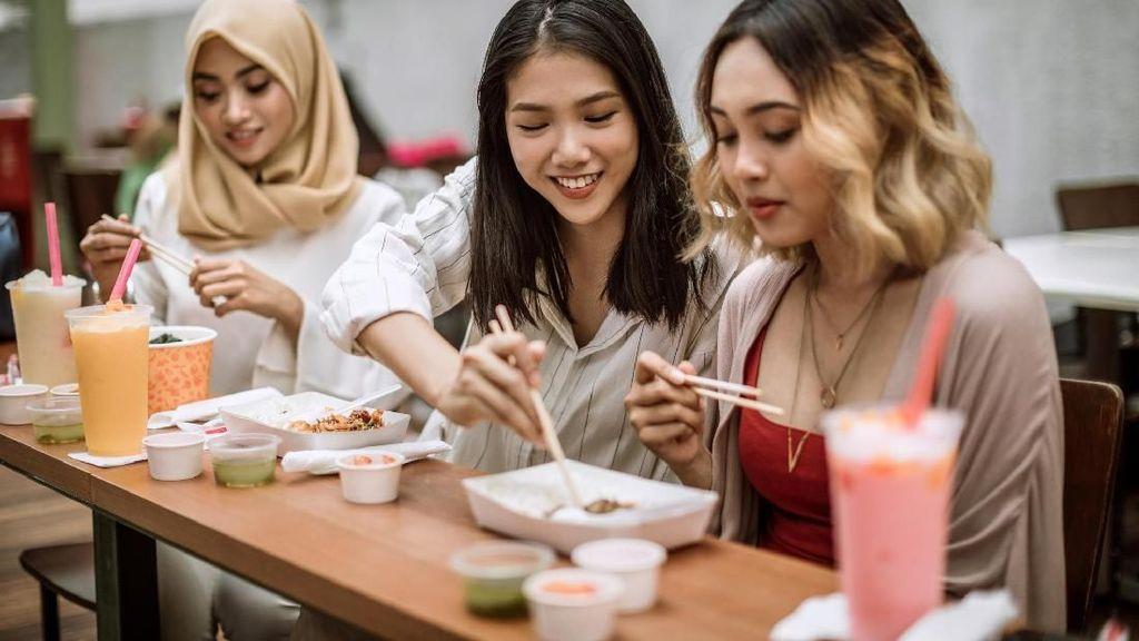 Riset: Hangout Bareng Teman 2 Kali Seminggu Baik untuk Kesehatan Mental
