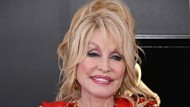 Dolly Parton Bangun Jam 3 Pagi Tiap Hari, Dandan & Pakai Heels Walau di Rumah