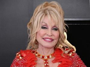 Penyanyi Dolly Parton Pakai Makeup Saat Tidur, Alasannya Takut Gempa Bumi