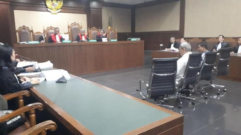 Terima Uang dari Gatot Pujo, Dua Eks Anggota DPRD Dituntut 4 Tahun Bui