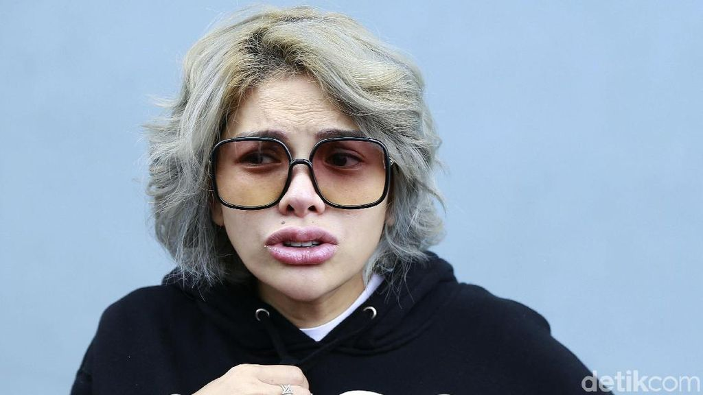 Diduga Retas Akun IG Pengacara Ini, Nikita Mirzani Resmi Dipoliskan Lagi