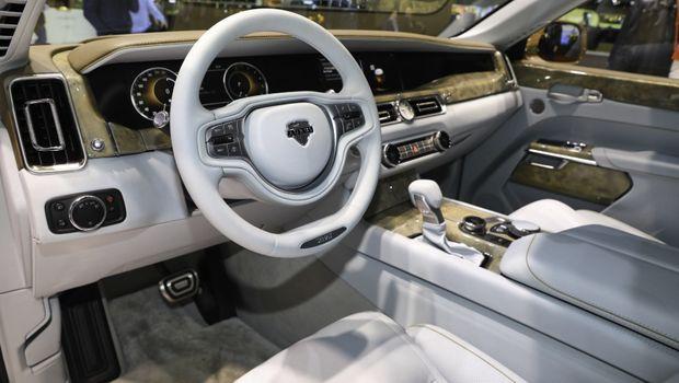 Mobil Kepresidenan Rusia Mulai Dijual Masal