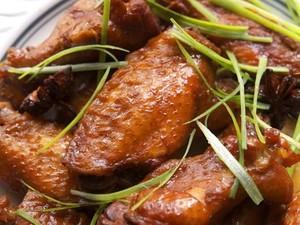 Masak Apa Hari Ini : Sup Bola Udang dan Ayam Kecap Singapura