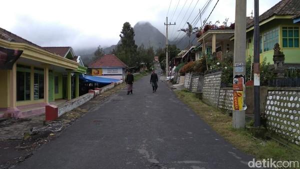 Kecamatan Sukapura, Probolinggo ditutup menandai pelaksanaan Catur Brata Penyepian Tahun Baru Saka 1941. (M Rofiq/detikTravel)