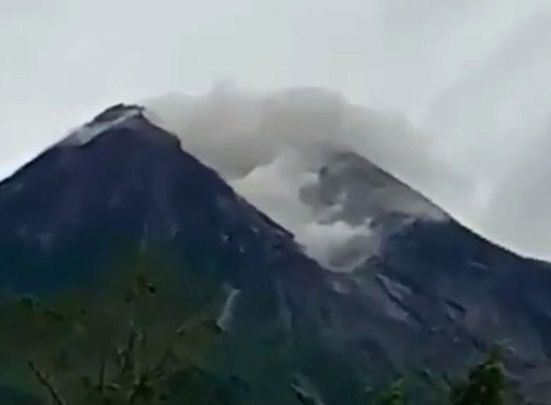 Gunung Merapi 3 Kali Gugurkan Lava ke Arah Hulu Kali Gendol