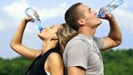Waduh! Air Mineral Kemasan Ini Dikritik Karena Beraroma Kaus Kaki dan Tinja